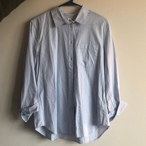 Gap Fitted Boyfriend Button Down Shirt